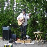 Ari Neufeld playing at Summer Solstace