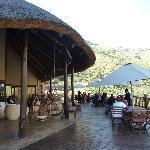 terras mainbuilding (ontbijt, lunch, diner en relaxen)