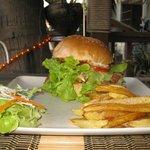 hamburger xxl et frite maison