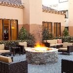 Outdoor Terrace & Fire Pit