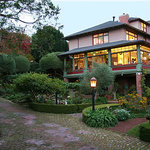 Jabberwock Inn - Monterey Bed and Breakfast