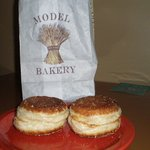 Foto The Model Bakery