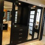 1 bedroom master suite closets!!!