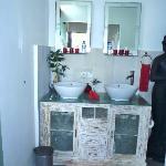 Villa Rouge Bathroom