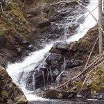 5 minute drive to MacIntosh Brooke hiking trail and waterfall!