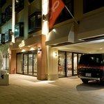 M 汽車旅館