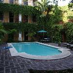la piccola piscina  nel secondo patio