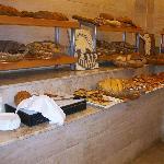 viele frische Brotsorten