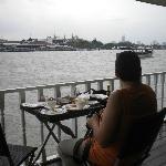 Petit déjeuner au bord du Chao Praya