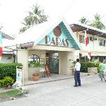 Photo de Paras Beach Resort