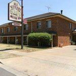 All Settlers Motor Inn Welcome Street Parkes Front View
