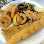 Two Fish Two Shrimp Plate w/Rings and Green Beans