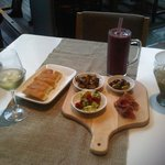 Mediterranean sampler, blueberry smoothie, mojito,wine