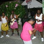 Dance music, shake it up!!