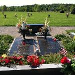 Johnny and June Cash's graves