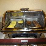 Steamer with burger patties & scrambled egg