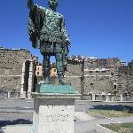 Statue - Caesar