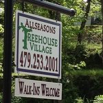 sign to Allseasons Treehouse Villiage