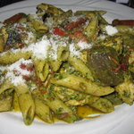 Pesto Penne with chicken & sundried tomatoes