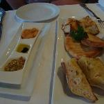 Bread Entree (for 2persons) including Dukkah,Olive Oil and Hummus
