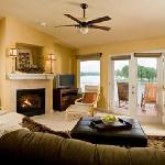 Lakeview Terrace Condo Living Room