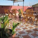 la terrasse bourrée de soleil
