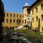 cour-jardin de l'hôtel
