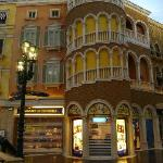 The Grand Canal Shoppes(2)