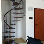scala a chiocciola di collegamento tra il 1° piano e la mansarda