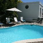 Pool und Cottage