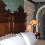 King Bed in Seneca River Room