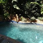 Pool hinter dem Haus