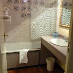 Lavabo y bañera Hab 135