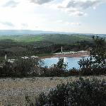 Ulteriore panorama piscina e vallata