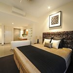 master bed room and bath room