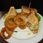 sandwich & onion rings
