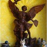 El Arcángel Miguel patrono del Mesón