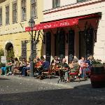 Buda street cafe