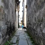 Art student in one of Nanping's 72 alleys