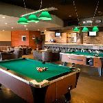 Tank 77 Bar & Grill