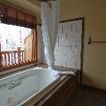 Deluxe Bath
