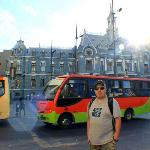 Valparaiso main plaza and the best bus in town