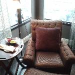 Hotel Muse Bangkok Langsuan Room 902 Chair & Fruit Amenity - LoyaltyLobby