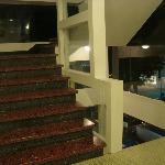 Remodelaron la primer planta de las escaleras, el resto quedo antiguo