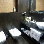 espacioso baño