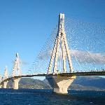 Puente Río Antírio, al este de Patras