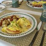 Eggs Benedict Arnold