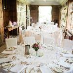 Gray's Court Wedding Table Arrangment