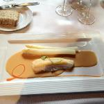 asperges with a lovely grilled fish