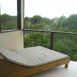 Balcon con camastro.